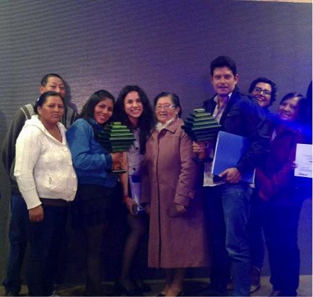 """Stiftelsen Cambugan tar emot första priset i tävlingen """"Ambiental Metropolitana Quito Sostenible 2016"""""""